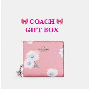 NWT COACH Boxed Snap Wallet With Daisy Print Pink